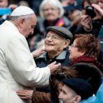 Papa y los ancianos